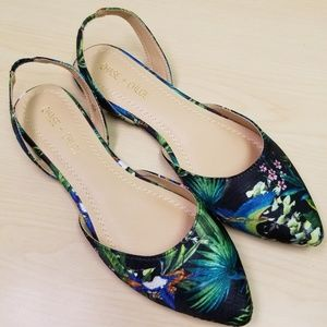 Chase+Chloe Dalena-3 FLORAL Pointed Flats
